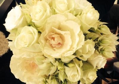 13. Kale,rose,lisianthus